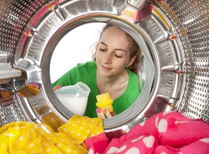Sprawdź czy dobrze dbasz o pralkę. Skoryguj błędy, by uniknąć zakupu nowej