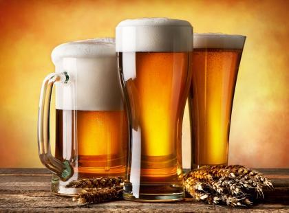 Sprawdź, ile kalorii ma piwo