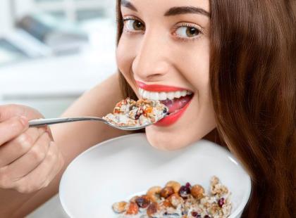 Sprawdź! Ile kalorii mają składniki domowego musli?