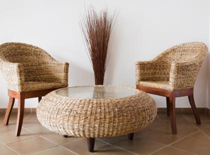 Sprawdź jak dbać o meble rattanowe, aby były piękne wiele lat