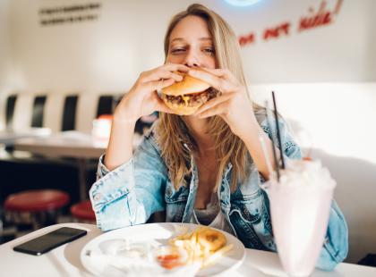 Sprawdziłyśmy co ma najmniej kalorii w McDonald's! Będziesz zdziwiona!