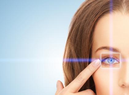 Spuchnięte powieki – jak pozbyć się tej dolegliwości?