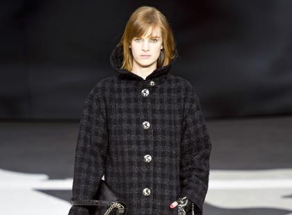 Srebro na powiekach z pokazu Chanel na jesień i zimę 2013
