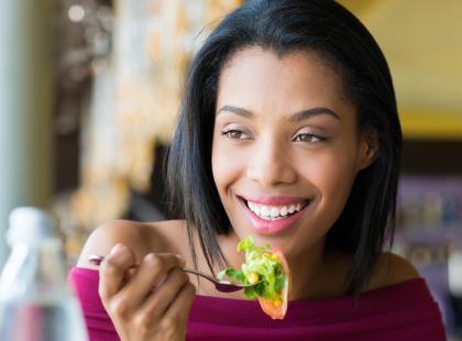 Starasz się zrzucić kilka kilogramów? Zacznij jeść te produkty już dziś