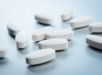 Substancja czynna popularnego leku może uszkadzać wątrobę!