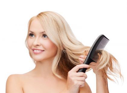 Suchy szampon – jak go użyć i zrobić w domu?