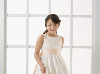 Sukienki dla dziewczynek od Mori Lee