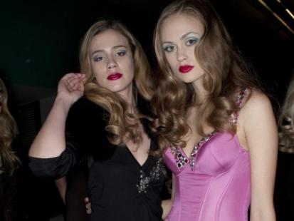 Sukienki na studniówkę 2011: Aż 54 najmodniejsze