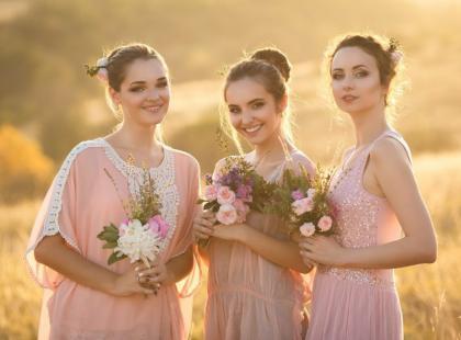 Sukienki na wesele – najpiękniejsze modele w internecie w promocyjnych cenach