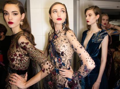 Sukienki sylwestrowe - długie, z cekinami, koronkowe. Jaką kupić, by zabłysnąć?