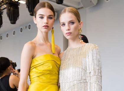 Sukienki wizytowe na uroczyste okazje - znajdź model dla siebie!