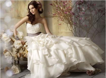 Suknia ślubna - jaki kolor wybrać?