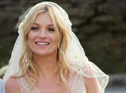 Suknia ślubna Kate Moss