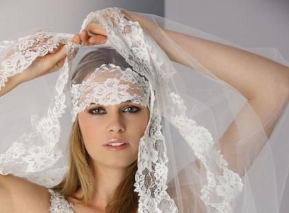 Suknie ślubne Affinity Bridal - jesień 2011