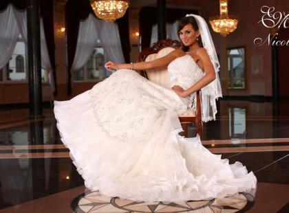 Suknie ślubne Emmi Mariage - kolekcja 2009