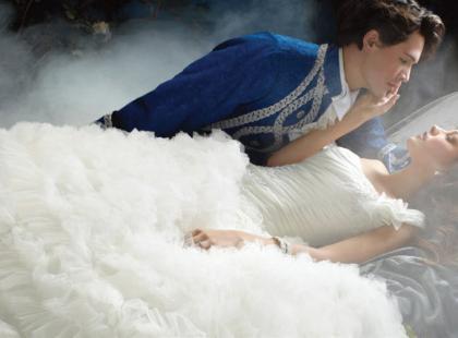Suknie ślubne jak z bajki Disneya - kolekcja Alfred Angelo 2011