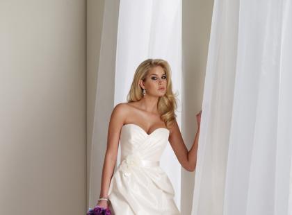 Suknie ślubne Mon Cheri na sezon jesień-zima 2011/2012