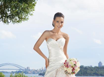 Suknie ślubne Sophia Tolli 2013