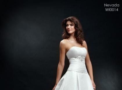Suknie ślubne Wings Bridal wiosna/lato 2010