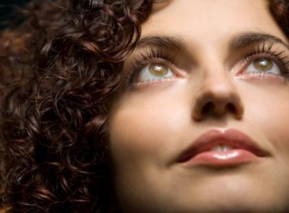 Super Kosmetyk: Acanthe - wszystko, czego potrzebują kręcone włosy