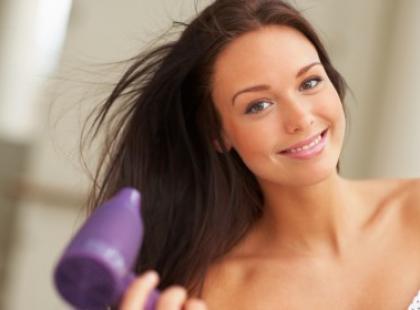 Suszenie włosów zimą