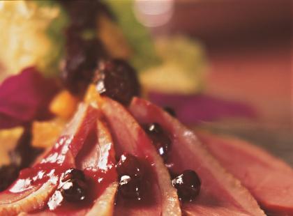 Świąteczna pierś z kaczki marynowana w syropie pomarańczowym - przepis