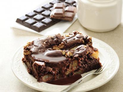 Świąteczny czekoladowiec z orzechami