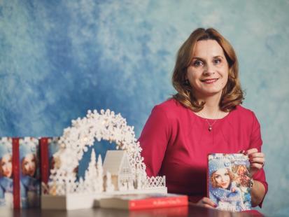 Światło w Cichą Noc, świąteczna opowieść Krystyny Mirek,  która ogrzeje serca w zimowy wieczór…