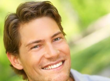 Sylwestrowe fryzury dla mężczyzn