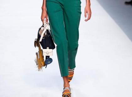 Szerokie czy wąskie? Zobacz jaki model spodni z kolekcji Pull&Bear będzie dla ciebie najlepszy