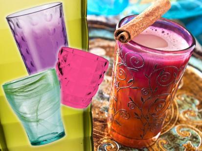 Szklanki do drinków i soków w szałowych kolorach