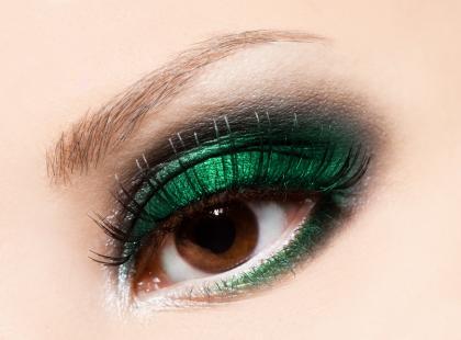 Szmaragdowy makijażowym kolorem roku 2013