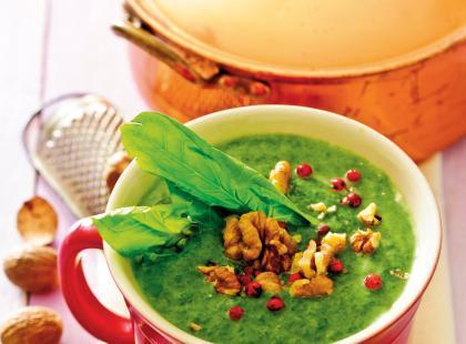 Szpinakowa zupa-krem z grzankami