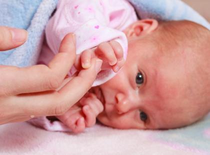 Szpital nie przyjął jej na oddział położniczy. Pół godziny później urodziła dziecko na chodniku