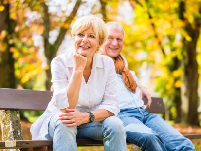 Szybkie pożyczki dla emerytów. Jak uchronić bliskich przed oszustami?