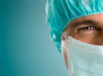 Ważnym czynnikiem wpływającym na kwalifikację do zabiegu operacyjnego jest wiek pacjenta./fot.Fotolia.