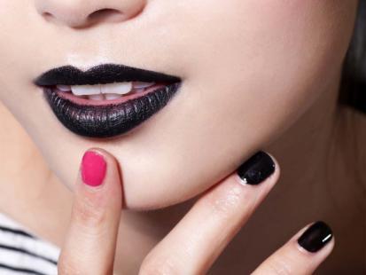 Tak będziemy malować paznokcie jesienią - poznaj trendy