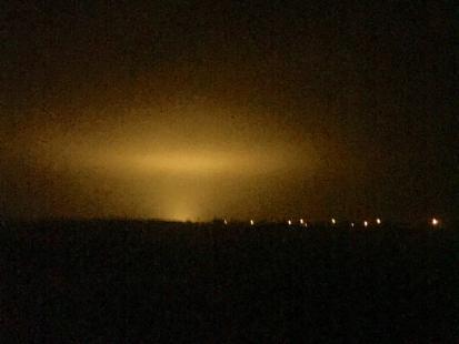 """Taki widok obudził mieszkańców Polski. Wyjaśniamy, skąd wzięła się """"świecąca chmura"""""""