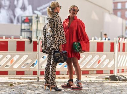 Te buty kojarzą się z gorącym latem i wakacjami. O jaki model chodzi?