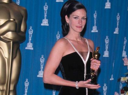 Te suknie przeszły do historii! Oto najpiękniejsze kreacje z Oscarów