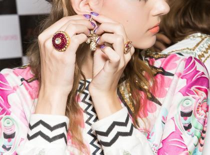 Te zaręczynowe pierścionki są hitem roku 2018! Znalazłyśmy je wśród biżuterii Yes