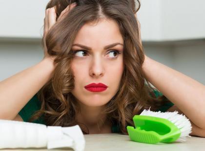 Tego nigdy nie rób! Oto 6 błędów, które wiele osób popełnia przy sprzątaniu