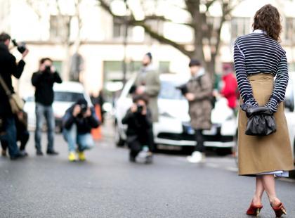 Ten trend rośnie w siłę. Spódnice w tym stylu będą hitem jesieni