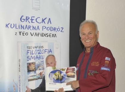 Teo Vafidis, polski Grek zaprasza na podróż po kulturze i kuchni Grecji.