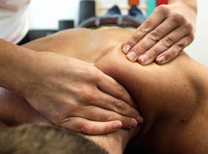Terapia manualna, czyli ciało pod opiekuńczym dotykiem