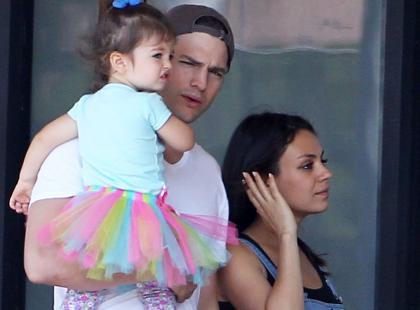 To brzmi jak żart, ale żartem nie jest. 2-letnia Wyatt Kutcher mówi w kilku językach. Ilu?