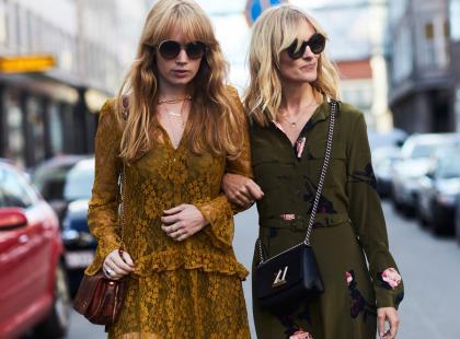 To one, sukienki z koronki stanowią kwintesencję kobiecej elegancji i stylu