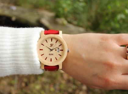 To prawdziwy hit sezonu! Zobacz, dlaczego warto mieć drewniany zegarek!