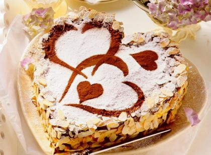 Torcik słodkie serce Amaretto