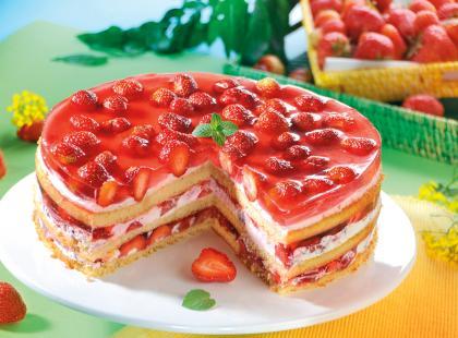 Tort truskawkowy z mascarpone i galaretką